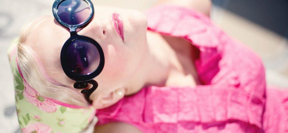 Okulary słoneczne – wakacyjny gadżet