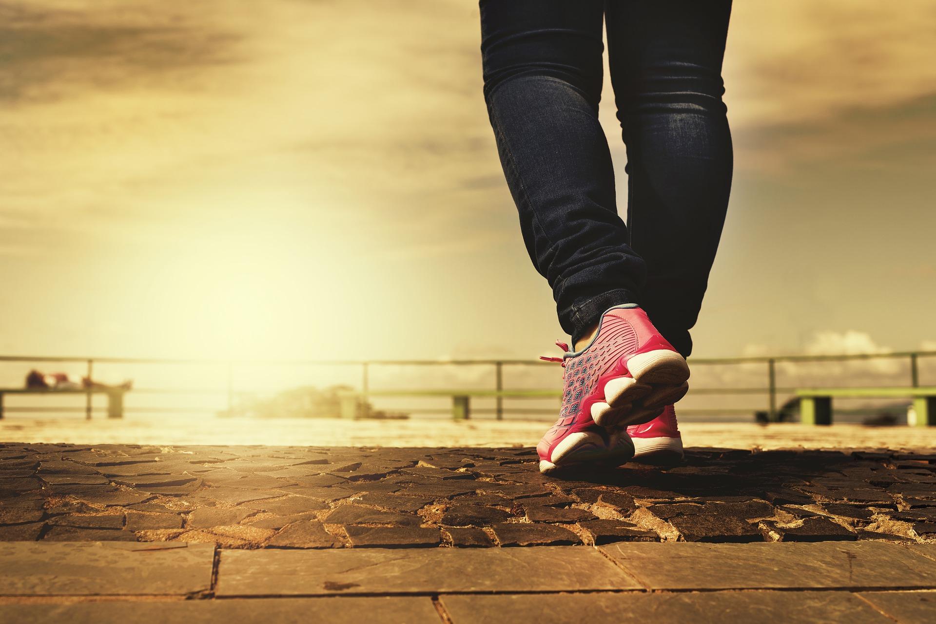 Kiedy stosować damskie buty zdrowotne?