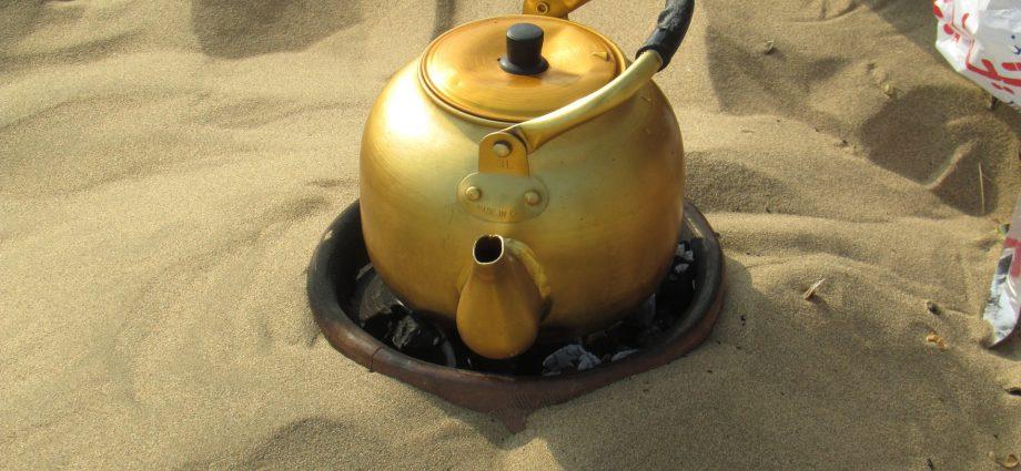 W czym zagotować wodę na herbatę?