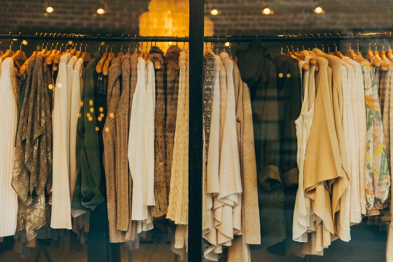 Kilka słów o ubraniach z logo Levis