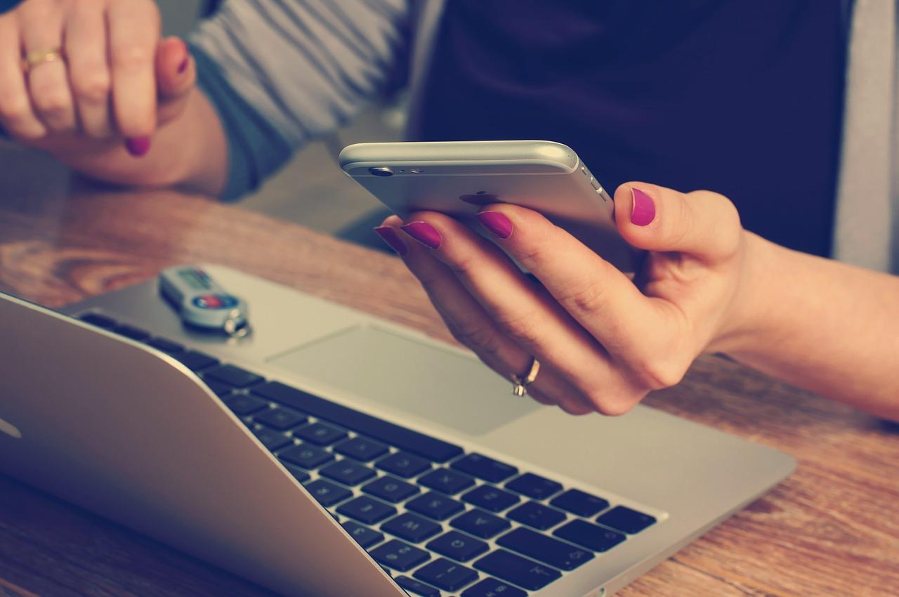 Dlaczego warto kupić etui do smartfona?