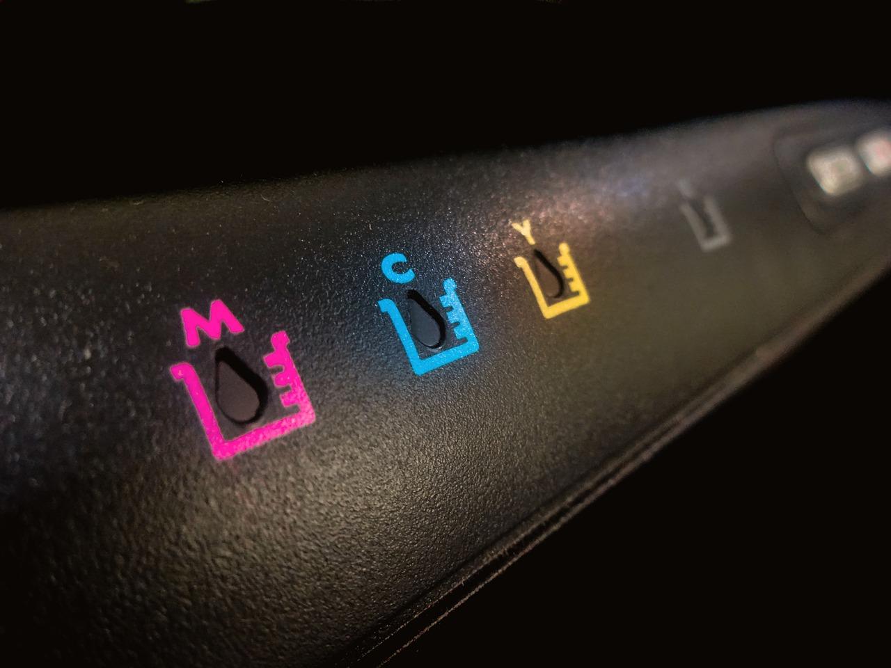 Jaka drukarka do kolorowych etykiet?