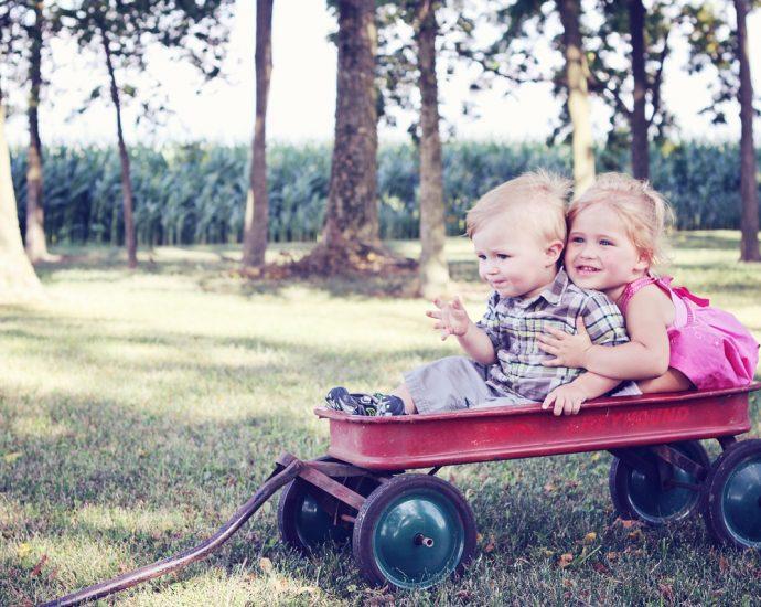 Jeździki: popularne zabawki dla dzieci